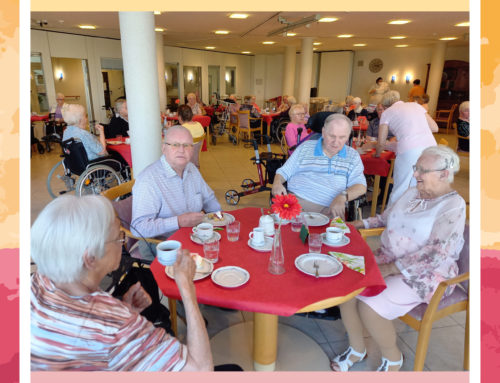 Erdbeerfest im Seniorenhaus Coldinne Stift